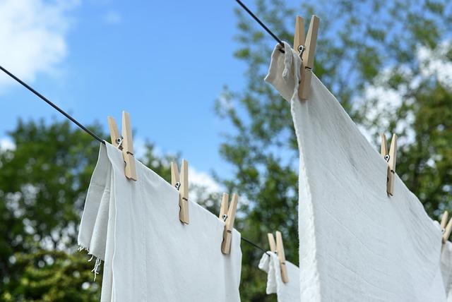cara untuk menghilangkan noda di baju putih